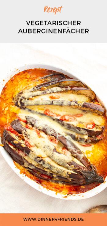 Vegetarischer Auberginenfächer mit Tomaten, Mozzarella und Knoblauch