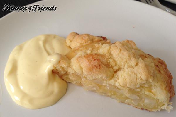 Das Rezept ist für Muffins, aber ich finde auch in Birnen-Crumble-Strudel-Form schmeckt das Ganze fantastisch.