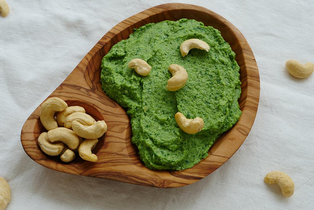 Cashew-Broccoli-Dip: einfach und schnell gemacht wie Pesto.