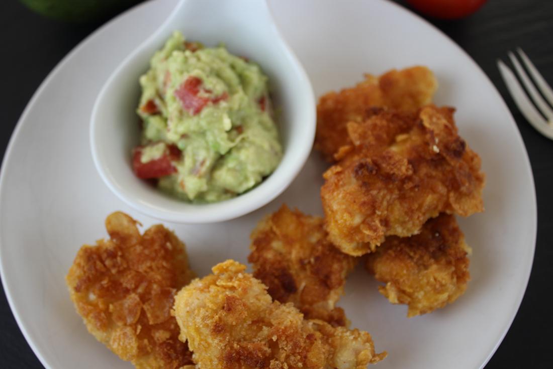 Chicken Nuggets mit Avocado-Dip