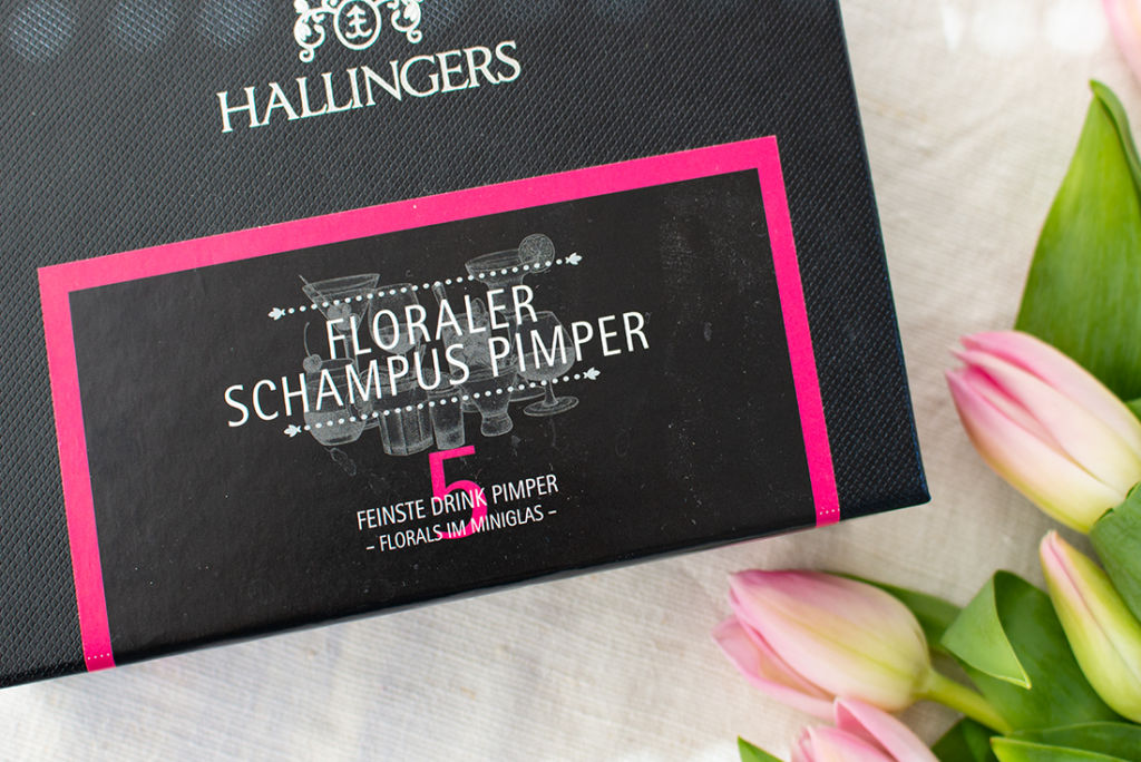 Meine Lieblinge im April: Floraler Schampus-Pimper und das Speisekammer-Kochbuch aus dem Hölker Verlag.