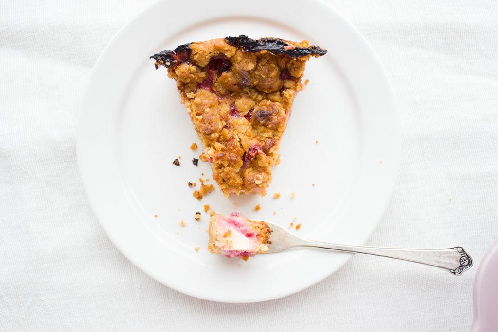 #Knuspersommer: Johannisbeer-Quark-Streuselkuchen