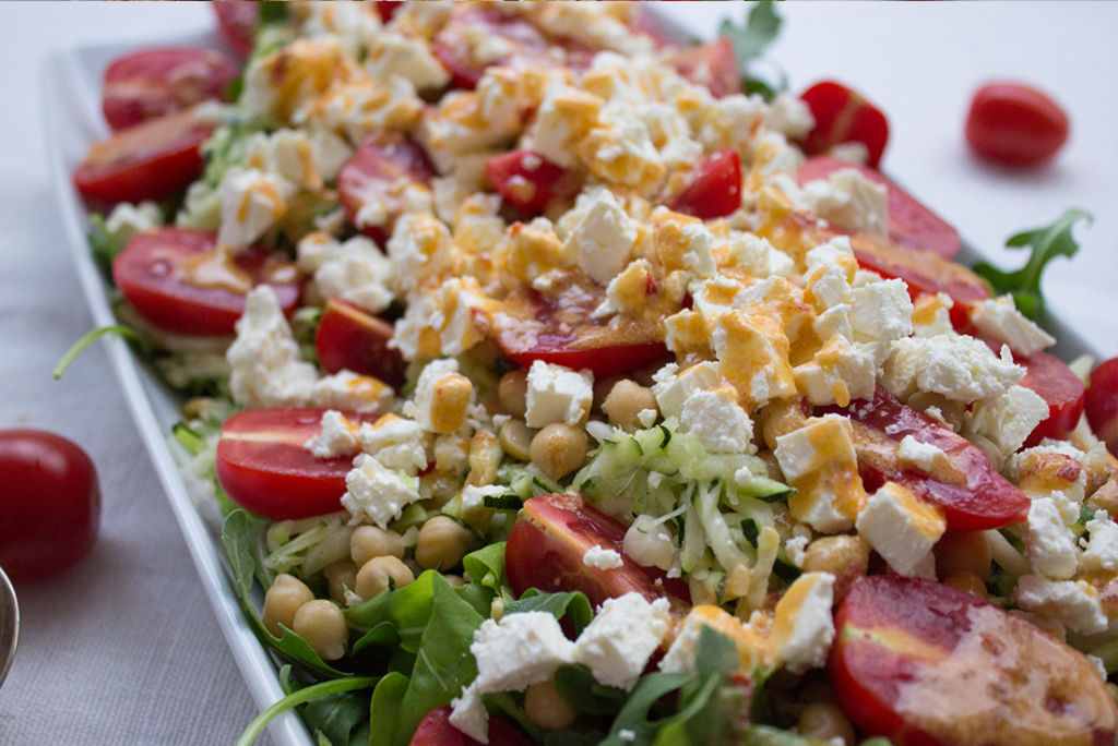Schnell gemacht und extrem lecker: Kichererbsen-Zucchini-Salat