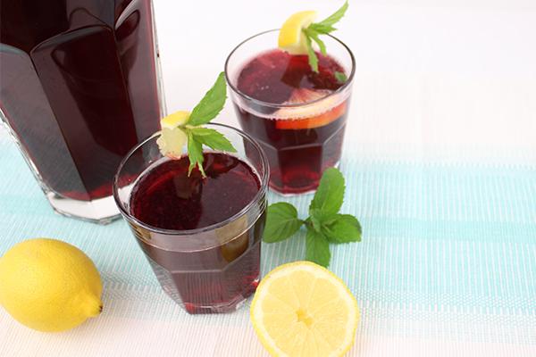 Kirsch Limonade: selbstgemacht und so erfrischend!