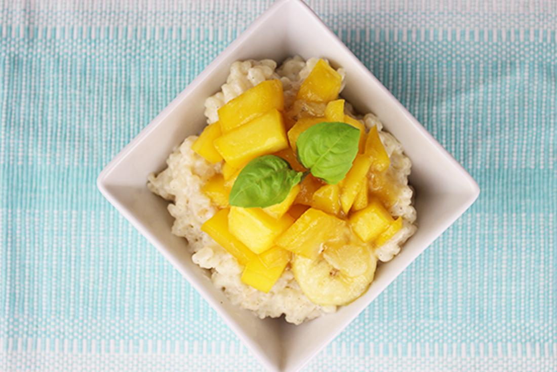 Milchreis mit Kokos, Mango und Banane