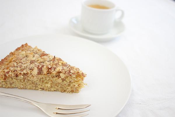 Eigentlich heißt der Mandelkuchen Kochlöffelkuchen.