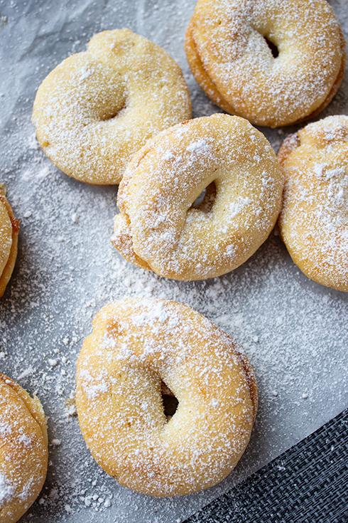 Einfach Weihnachtskekse: Marzipankringel