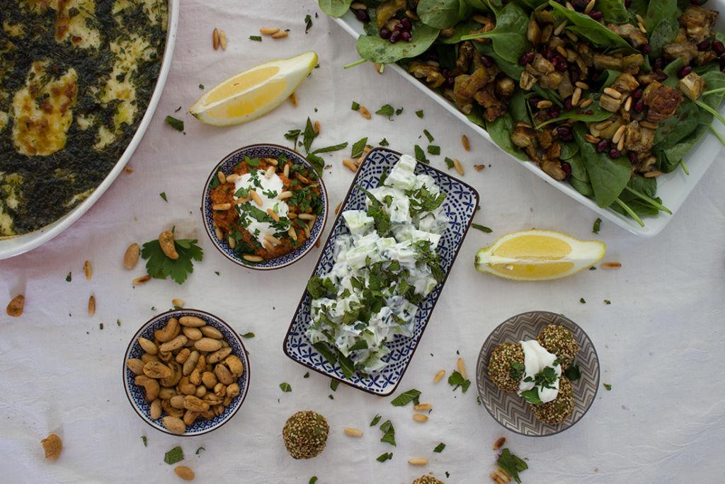Ein Klassiker unter den Mezze: der Gurkensalat mit Minze.