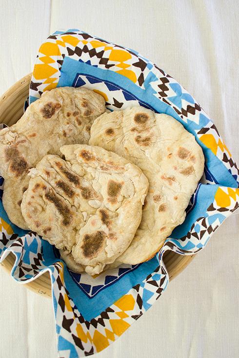 Naan Brot einfach in der PFanne selbst backen: schnell, einfach und richtig lecker!