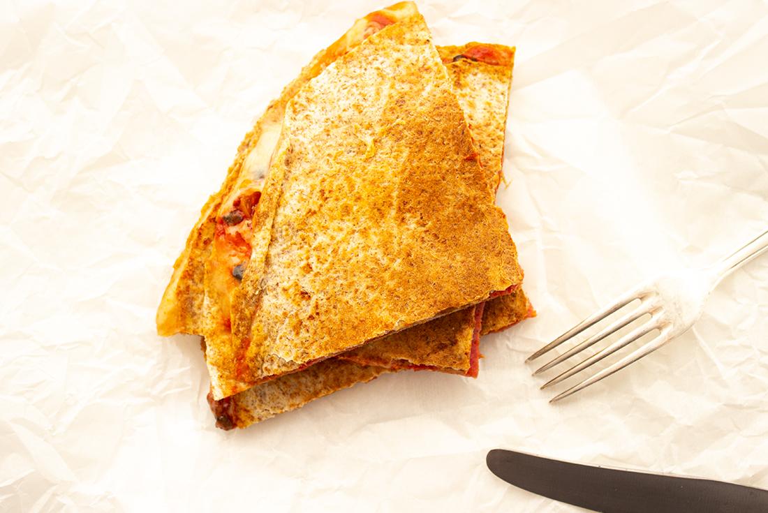 Pizzadillas sind ein schnell gemachtes, superleckeres Essen für den Alltag.