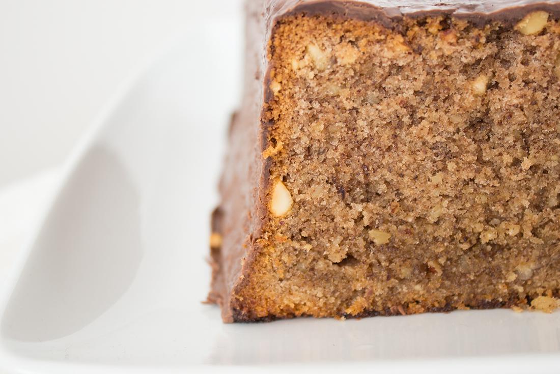 Der Rotweinkuchen nach Dr. Oetker ist so simpel und dabei so herrlich nussig, schokoladig und fluffig!