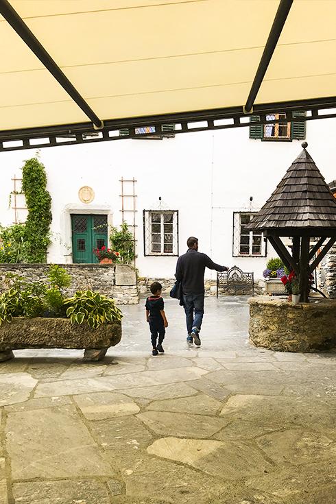 Ein echter Familienurlaub im Hideaway Schloss Mittersill: Gutes Essen, gutes Wellness-Programm, Wandern in toller Natur.