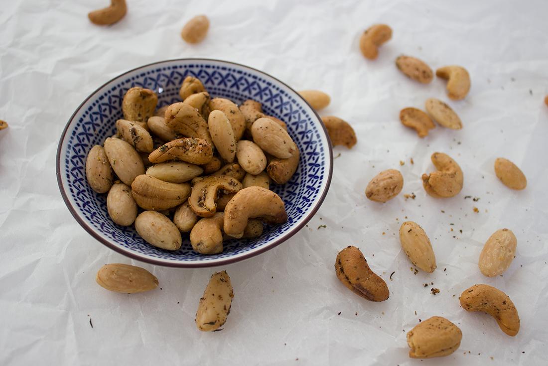 Los! Zugreifen! Geröstete Nüsse mit Zatar!