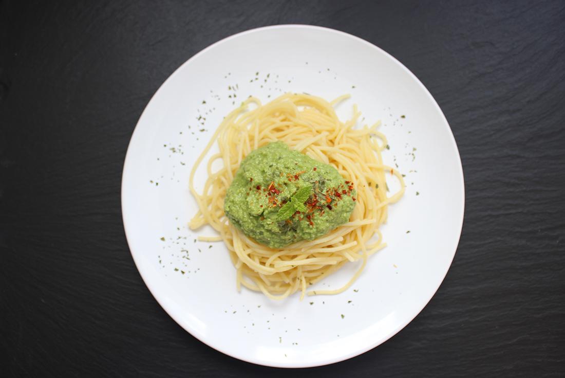 Spinat-Spargel-Pesto