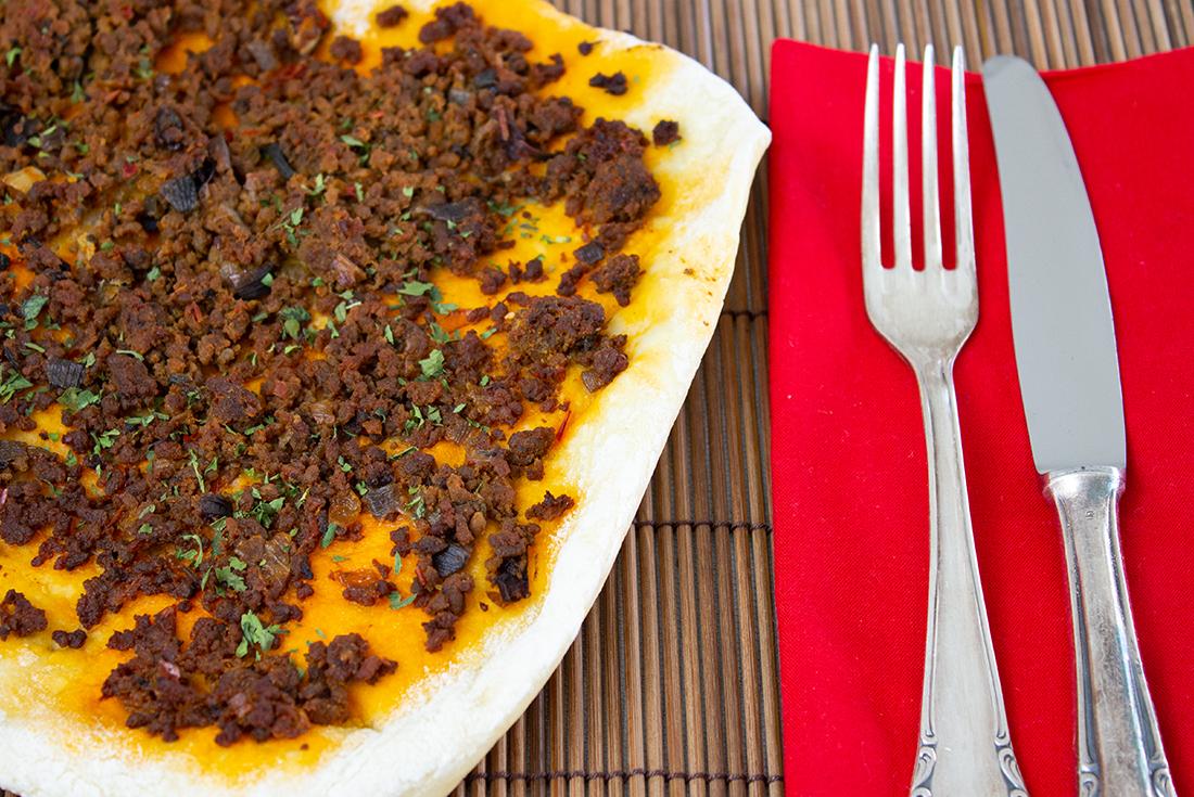 Türkische Pizza: Lahmacun