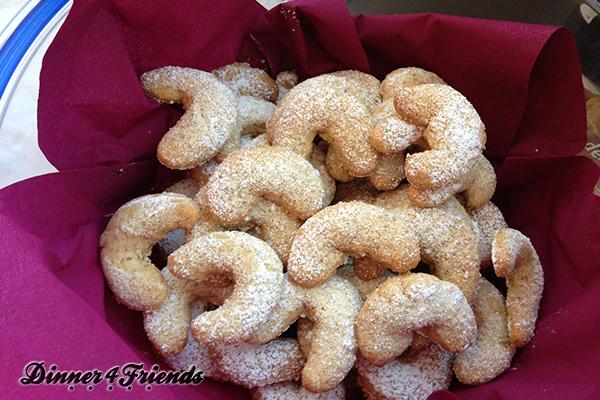 Vanillekipferl sind ein Klassiker in unserer Weihnachtsbäckerei.