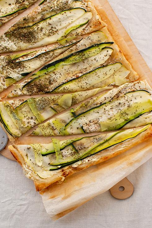 Blätterteig Tarte mit Zucchini und Ziegenkäse