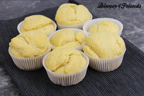 Englische Muffins aus gelingsicherem Hefeteig.