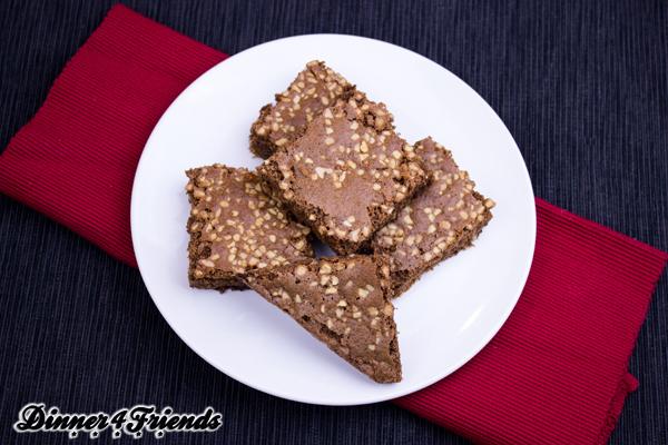 So lecker wie sie aussehen schmecken sie auch: Die Mandel-Brownies sind schokoladig, saftig und gelingen immer.